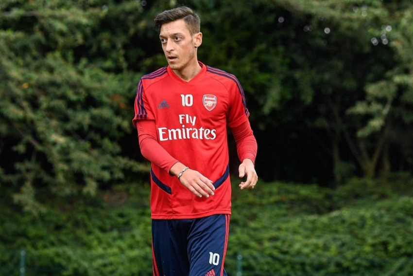 Arsenal Star Mesut Ozil Gets Security Scare Outside House, Two Arrested