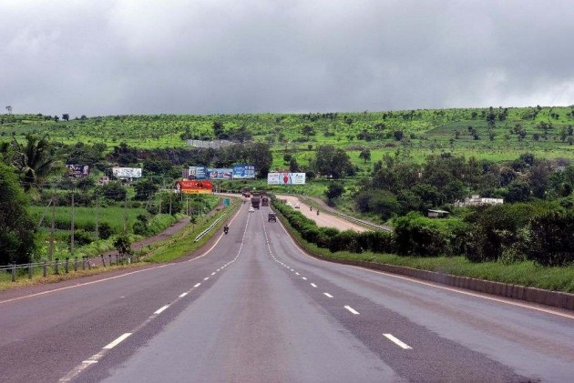 Maharashtra: Mumbai-Bengaluru National Highway Partially Opened For Traffic After Water Recedes