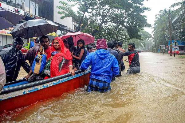 Kerala Floods: Death Toll Rises To 76, 2.87 Lakh People Take Shelter In Relief Camps
