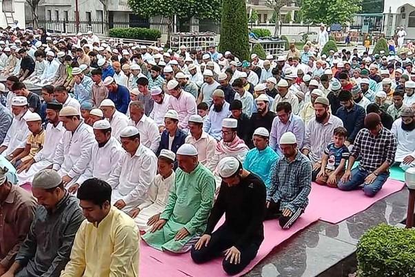 Eid al-Adha Prayers Peaceful In Kashmir: Police
