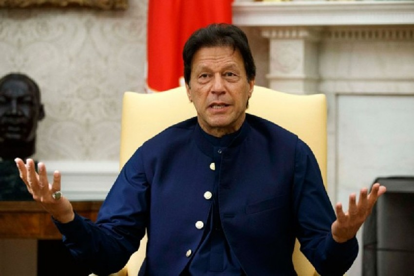 Imran Khan Vows to Raise Kashmir Issue at Every Forum; Questions World Community's Silence