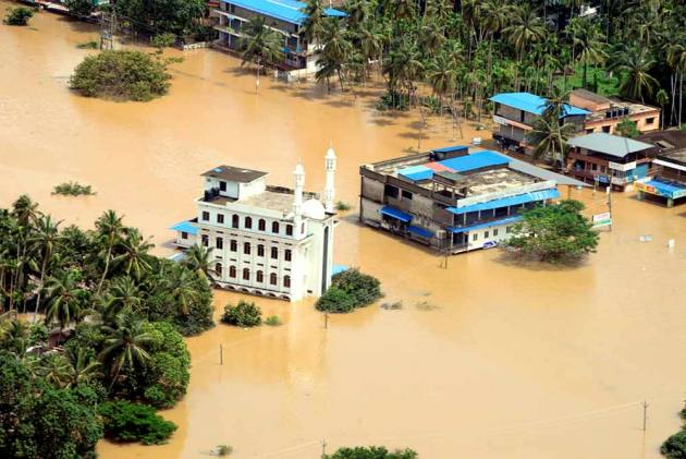 Death Toll In Kerala Floods Mounts To 102; Maharashtra Limps Back To Normalcy