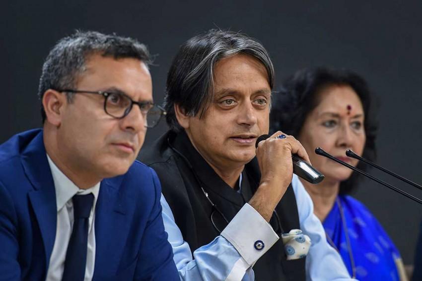 Arrest Warrant Against Congress' Shashi Tharoor Over 'Hindu Pakistan' Comment