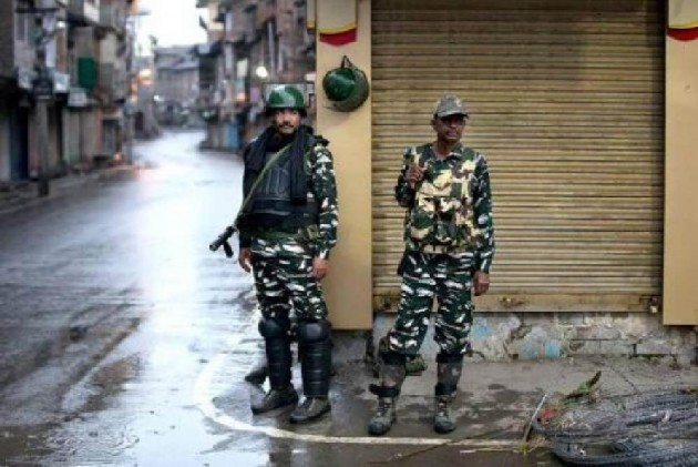 Journalist Detained In Late-Night Raid In Kashmir, First Since Article 370 Diluted