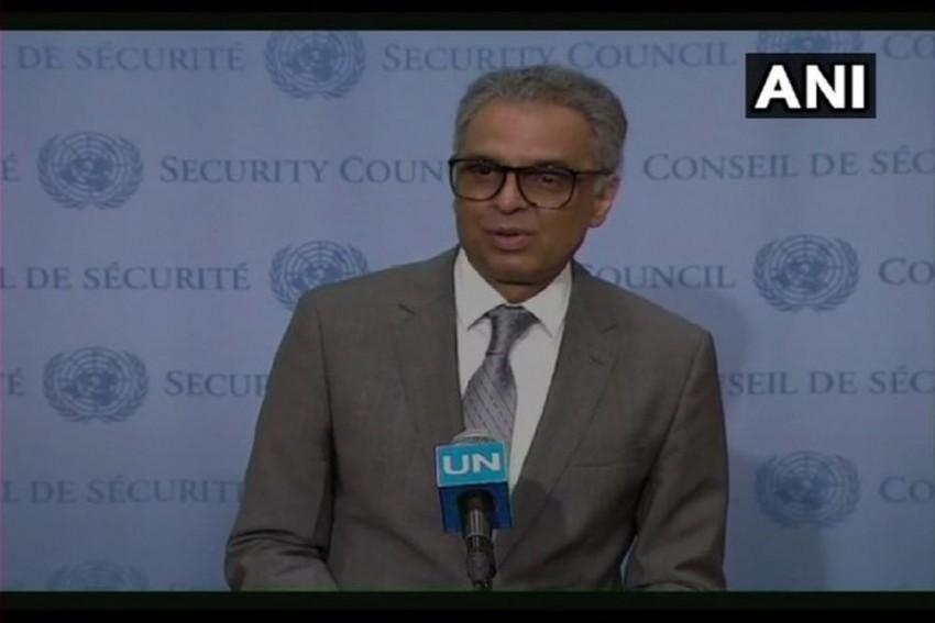'Hand Of Friendship': India's UN Envoy's Gesture Towards Pakistani Journalists Draws Friendly Laughs -- Video