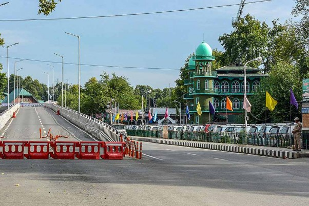 Day After Easing Curbs, Strict Restrictions Reimposed In Srinagar