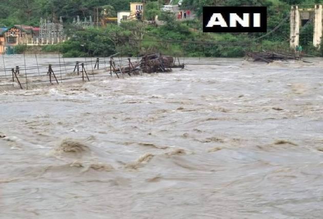 28 Dead As Heavy Rains Wreak Havoc In Himachal, Punjab, U'khand; Delhi On Alert