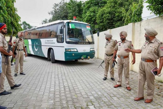Cross-LoC Bus Service From Poonch To Rawalakot Suspended