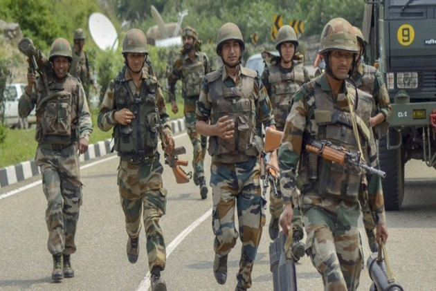 Days After Deploying 10,000 Central Forces Personnel, Centre Rushes 28,000 More Troops To Kashmir