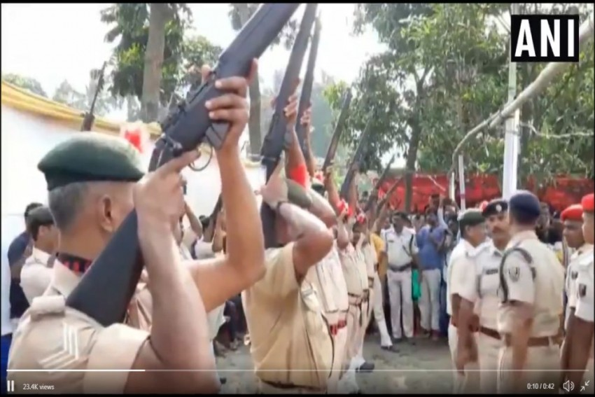 Video: Guns Fail To Fire Shots During Ex-Bihar CM Jagannath Mishra's State Honours Ceremony