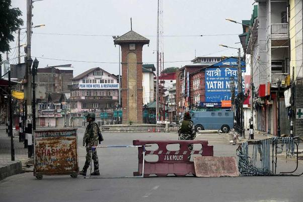 Strict Restrictions Back In Kashmir Valley After Posters Surface Calling For UN Office March