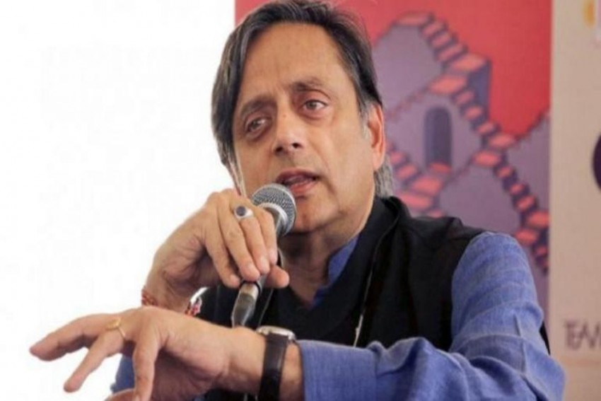 Now, Shashi Tharoor Says 'Demonising Modi Wrong'; Backs Jairam Ramesh, Singhvi