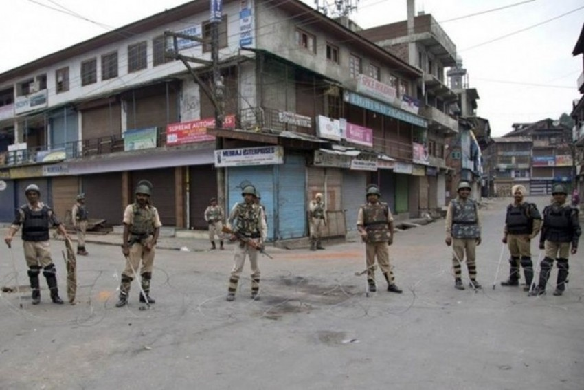 Restrictions Eased In Most Areas Of Kashmir Valley