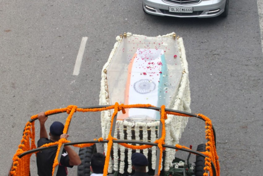 BJP Stalwart Arun Jaitley To Be Cremated At Nigambodh Ghat Today, Leaders Pay Last Respects