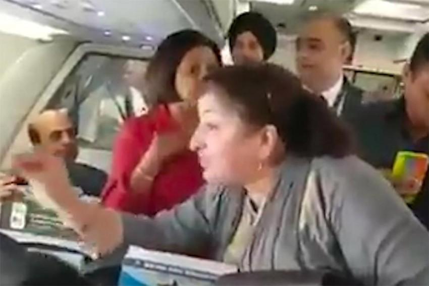 Watch: Kashmiri Woman Meets Rahul Gandhi On Flight From Srinagar, Shares J&K's Ordeal