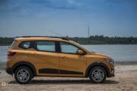 Renault Triber Expected Prices: Will It Undercut Maruti Swift, Hyundai Grand i10 Nios & Ford Figo?
