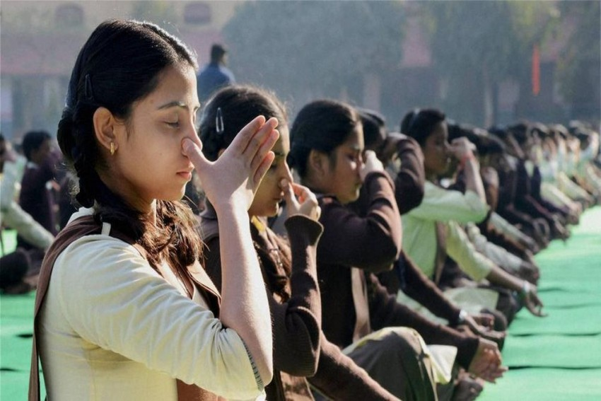 UP Government Makes 15-Minute Yoga Necessary In Primary Schools
