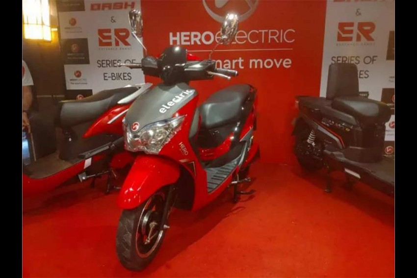 Hero Dash e-Scooter Packs Premium Features In An Affordable Package
