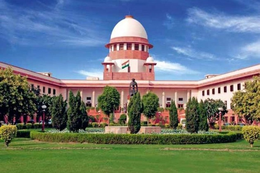 SC Issues Notice To Centre Over Article 370 Repeal, Five-Judge Bench To Hear Pleas In October