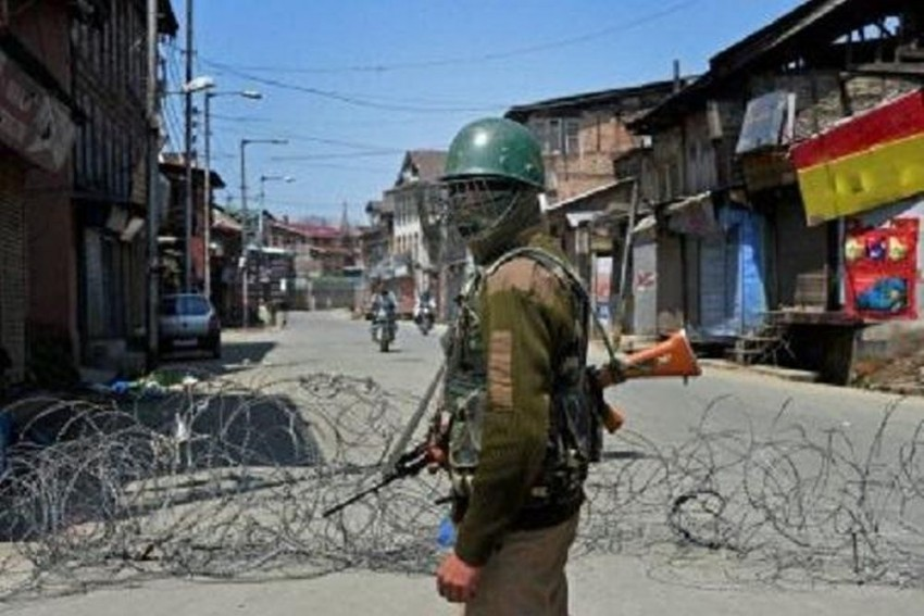 UK Govt Issues Advisory, Warns Citizens Against Travelling to Kashmir
