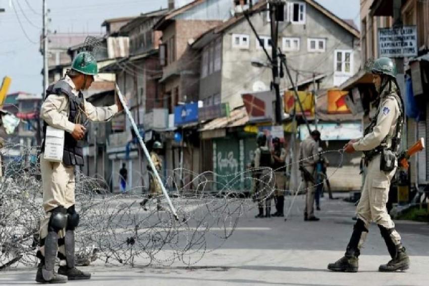 BBC Says Army Torturing Kashmiris, India Denies Reports