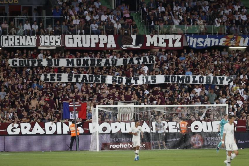 Paris Saint-Germain Beat Metz In Latest Ligue 1 Game To Be Halted