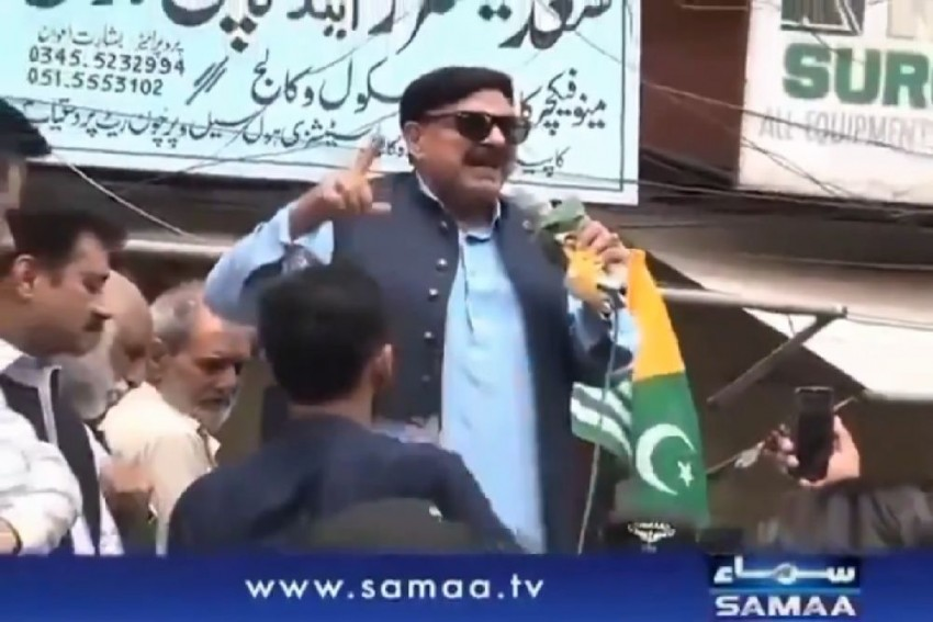 Watch: Motormouth Pakistan Minister Gets Electric Shock In Middle Of Anti-Modi Speech