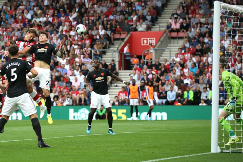 Premier League: 10-Man Southampton Hold Manchester United