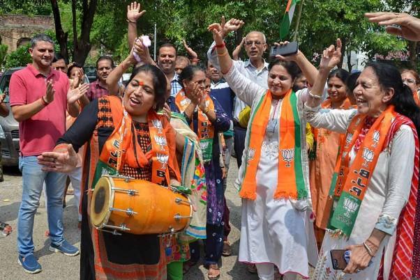 Article 370 Scrapped: Jammu Celebrates, Calls It A 'Historic Day'