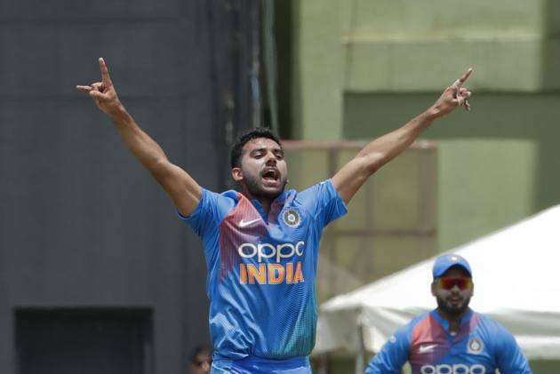 WI Vs IND, 3rd T20I: Unbelievable Deepak Chahar Spell Sends Fans Into A Tizzy
