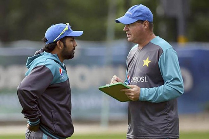 Sacked Mickey Arthur Hits Out At PCB, Says He Is 'Disappointed And Hurt'
