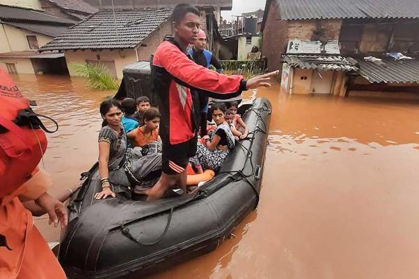 Heavy Rains Lash Parts Of Country, Flood Situation Grim In Maharashtra, Kerala And Tamil Nadu