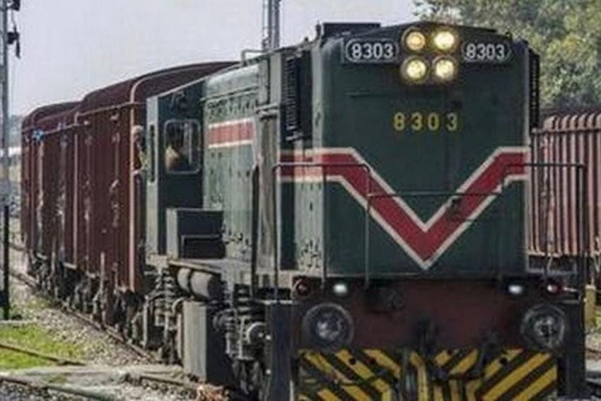 Pakistan Stops Samjhauta Express At Wagah, Indian Crew Escorts Train To Attari