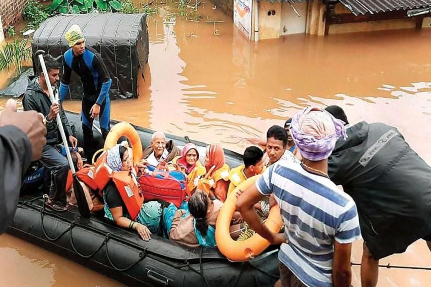 LIVE UPDATES | Flood Fury Continues In Maharashtra, Kerala; 4 Of Family Killed In Karnataka Landslide