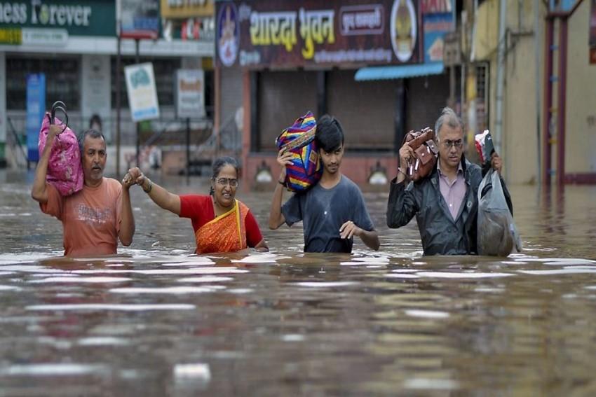 Incessant Rains, Floods Wreak Havoc In Maharashtra, Kerala And Karnataka