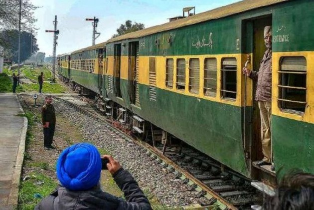 After Samjhauta, Pakistan To Stop Thar Express Over Abrogation of Article 370