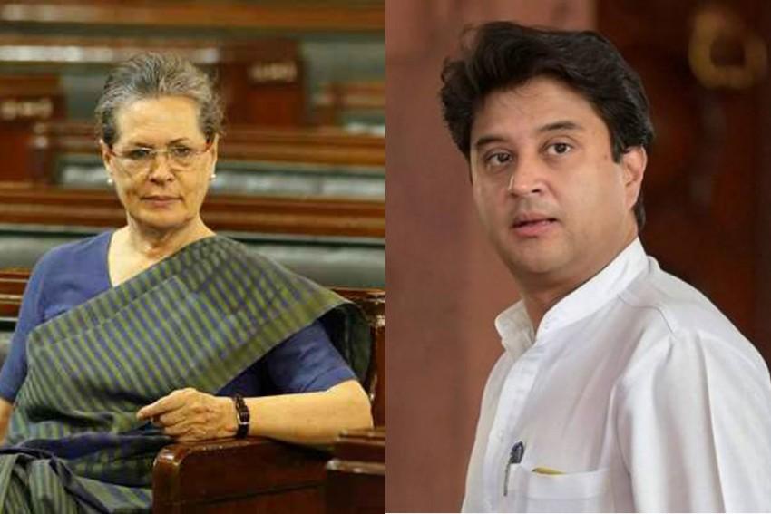 Jyotiraditya Scindia To Meet Sonia Gandhi On Tuesday Amid Feud In MP Congress