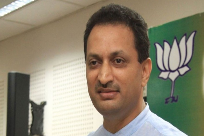 Go To Pakistan: BJP's Anant Hegde Tells IAS Officer Who Quit, Calls Him Traitor