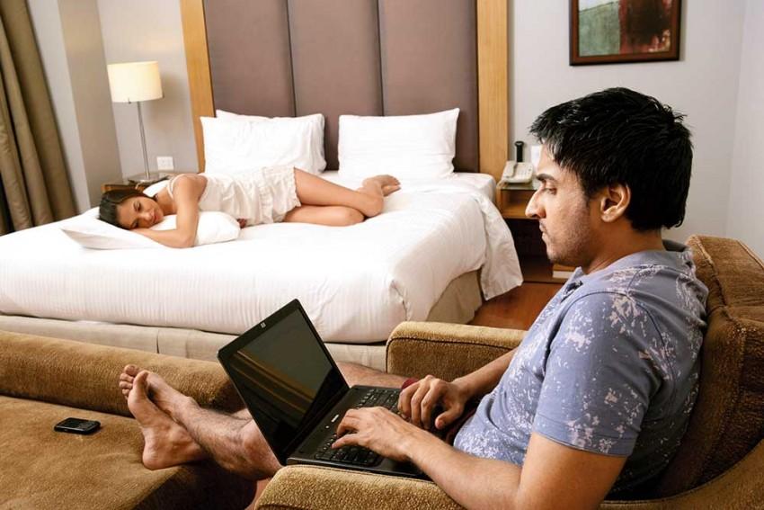 Outlook-Karvy Health Survey: Sexual Dissatisfaction Higher Among Non-Metro Respondents
