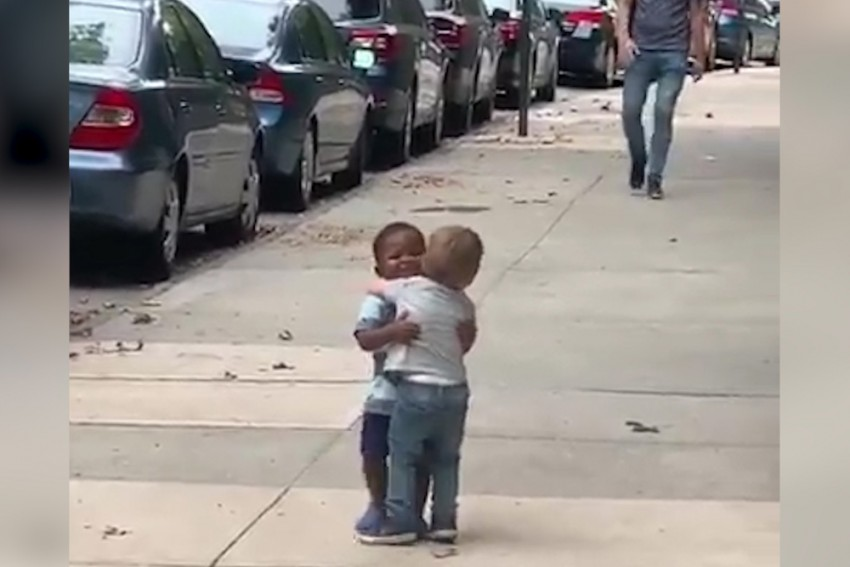This Video Of Two Toddlers' Love For Each Other Is All You Need To Watch Today