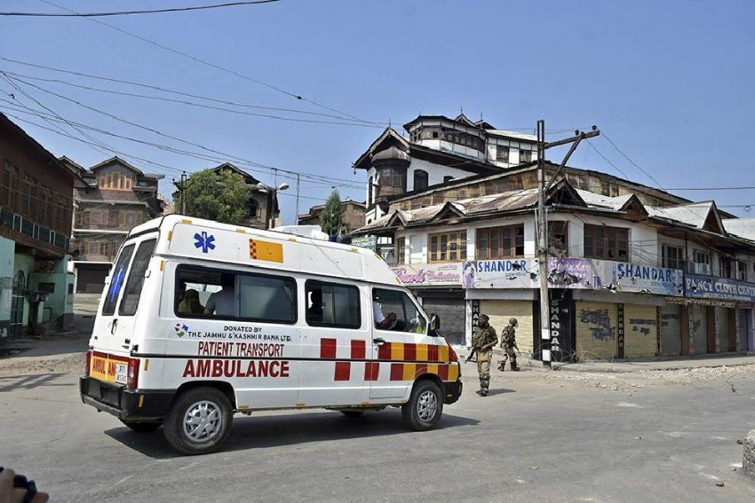 'Many May Have Died At Home': Amid Communication Blackout, Heart Attack Cases Rise In Kashmir