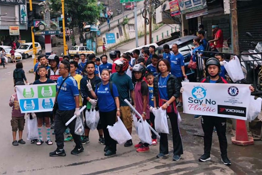Chelsea FC Fans Start Plastic Free Campaign In Aizawl