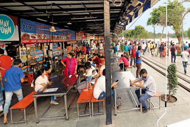 Clean Chaats, No Dirty Golgappa Paani Or Rotten Chow-Chows -- Campaign To Give Street Food Spotless Image Adds To Taste