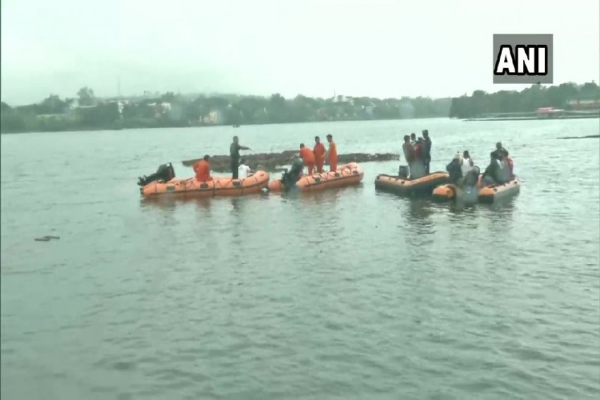 11 Dead After Boat Capsizes During Ganesh Immersion In Bhopal