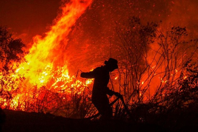 Choked By Forest Fire Haze, Indonesians Hold Mass Prayer Hoping For Rains