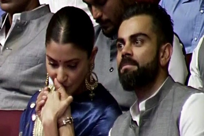 Anushka Sharma Showers Virat Kohli With Kisses, Gets Emotional On Hearing Story About His Father's Death - VIDEO
