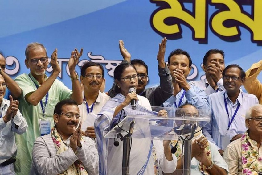 West Bengal Govt Committed To Welfare Of Peasants, Promote Industry: Mamata Banerjee