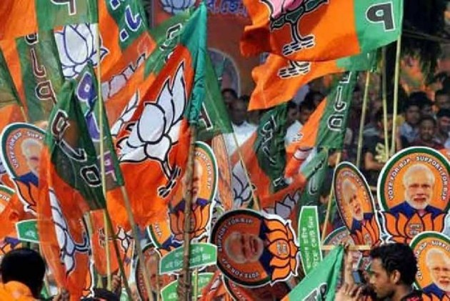 To Support Or Oppose Amit Shah's Hindi Push? Bengal BJP In A Fix