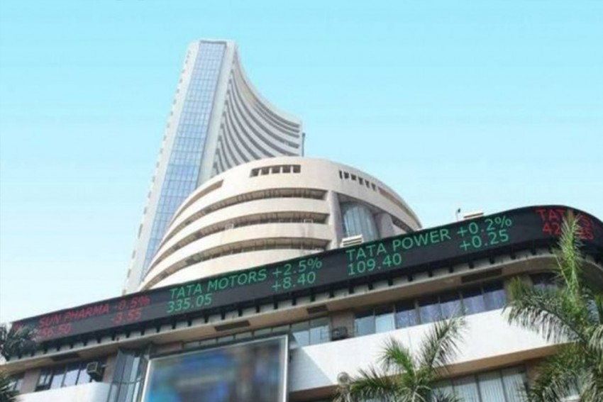 Sensex, Nifty Fall Sharply On Oil Uncertainty, US-China Trade War