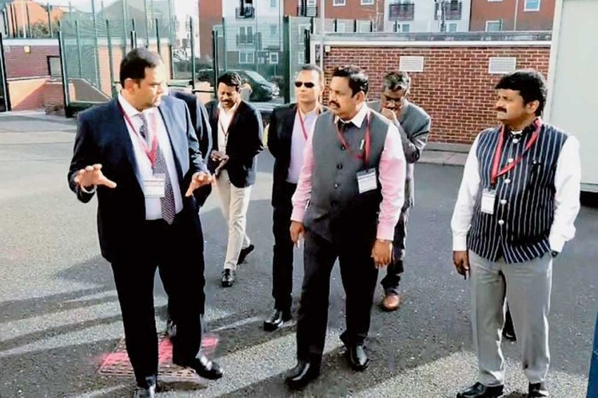 From Dhoti-Shirt To A Three-Piece Suit, Palaniswami's Foreign Tour Buoys AIADMK's Style Quotient